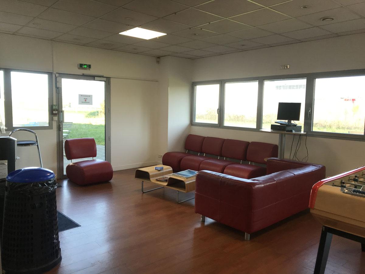 rehabilitation-centre-commercial-centre-appel-laval-7